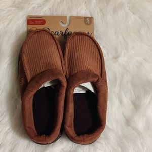 Dearfoams Slippers NWT size small fits 7-8